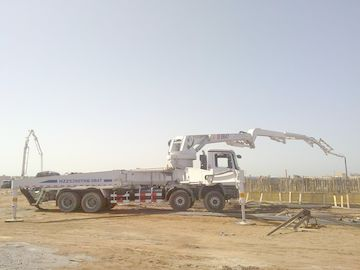 Çin 8x4 Concrete Pump Trucks 47m Isuzu Rz-Shaped Boom Truck 287kW Distribütör